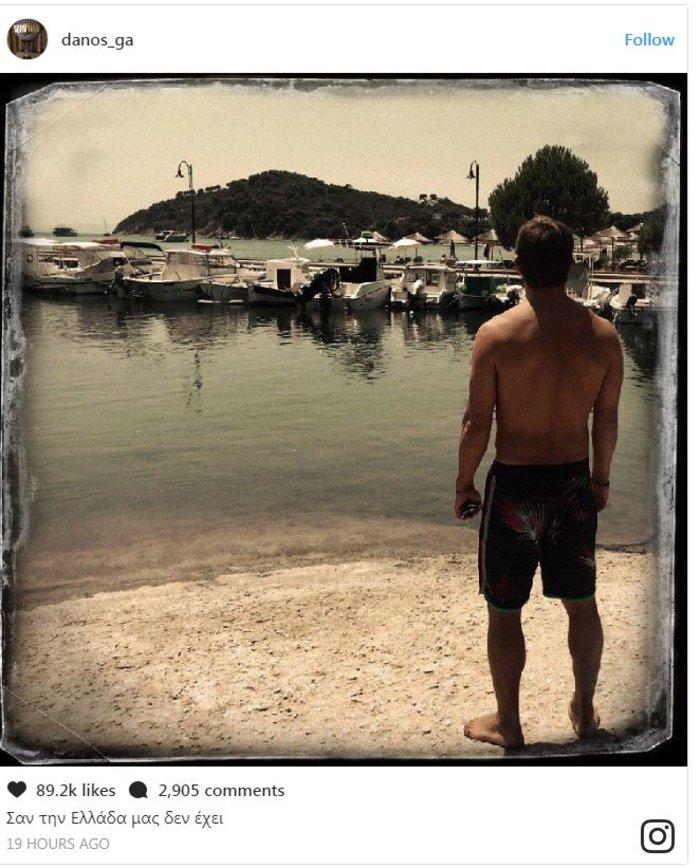 Γιώργος Αγγελοπουλος: Η φωτογραφία του στην παραλία που σαρώνει