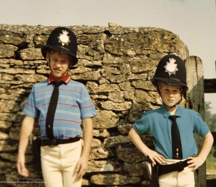 Oταν οι πληγωμένοι Χάρι και Γουίλιαμ έκαναν τη Βρετανία να κλάψει [Βίντεο] - εικόνα 6