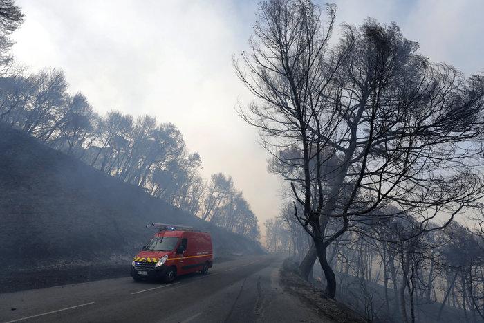 Γαλλία: Μαίνονται οι πυρκαγιές σε νότο και Κορσική-Ζητήθηκε βοήθεια από ΕΕ