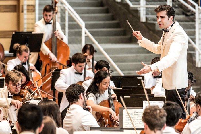 Διονύσης Γραμμένος: Ο Κερκυραίος που διευθύνει ορχήστρες σε όλο τον κόσμο - εικόνα 3