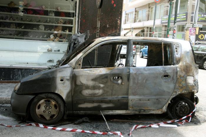 Σκηνές φαρ ουέστ στη Νίκαια: Πυροβόλησαν άνδρα στη μέση του δρόμου ΦΩΤΟ - εικόνα 2
