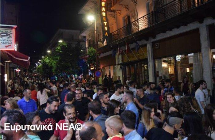 Φρενίτιδα για τον Αντετοκούμπο σε street πάρτι στο Καρπενήσι! - εικόνα 2