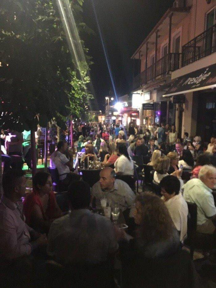Φρενίτιδα για τον Αντετοκούμπο σε street πάρτι στο Καρπενήσι!