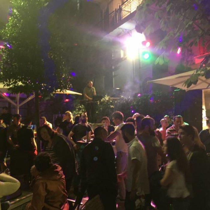 Φρενίτιδα για τον Αντετοκούμπο σε street πάρτι στο Καρπενήσι! - εικόνα 5