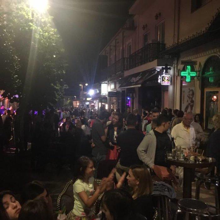 Φρενίτιδα για τον Αντετοκούμπο σε street πάρτι στο Καρπενήσι! - εικόνα 7