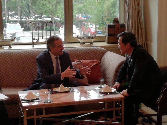 Συνάντηση Σαμαρά με τον πρόεδρο της Cosco στο Πεκίνο