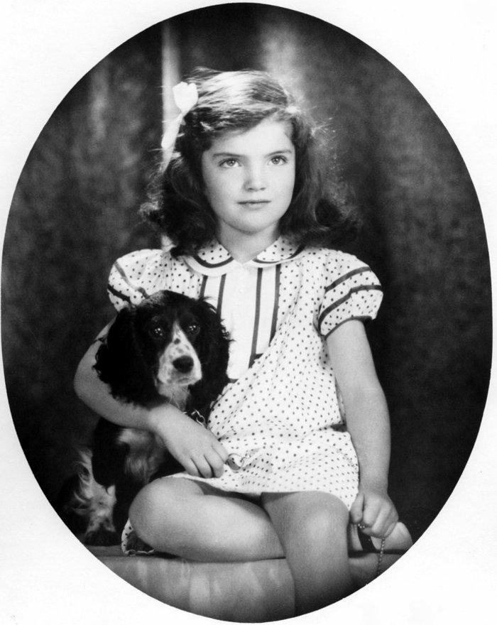 Έκθεση με σπάνιες φωτογραφίες από τα παιδικά χρόνια της Τζάκι Κένεντι