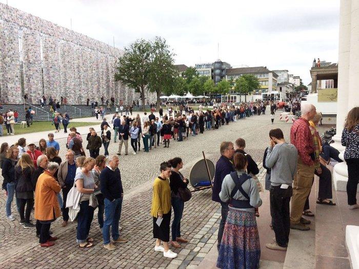Οι Γερμανοί σε ουρές για να δουν -και- ελληνική τέχνη. Μισό εκ. επισκέπτες! - εικόνα 2