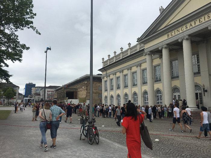 Οι Γερμανοί σε ουρές για να δουν -και- ελληνική τέχνη. Μισό εκ. επισκέπτες! - εικόνα 3