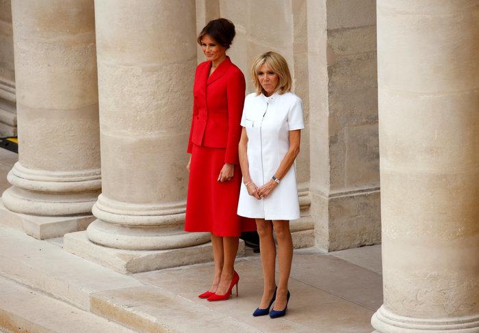 Είναι η Μπριζίτ Μακρόν η γαλλίδα Τζ. Φόντα; Αφιέρωμα της βρετανικής Vοgue