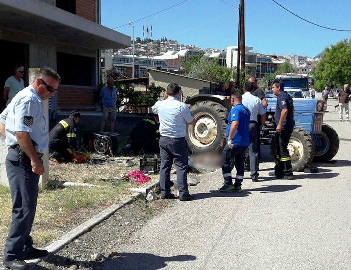 Λαμία: Ηλικιωμένος καταπλακώθηκε από τρακτέρ στην αυλή του σπιτιού του - εικόνα 2
