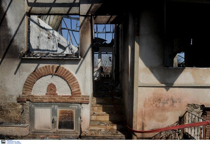 Υπό έλεγχο η φωτιά στη Λέσβο - Κάηκαν σπίτια στο Λαγονήσι - εικόνα 8