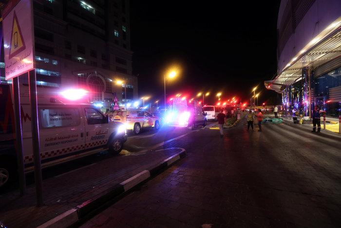 Tυλίχτηκε στις φλόγες ουρανοξύστης στο Ντουμπάι - εικόνα 2