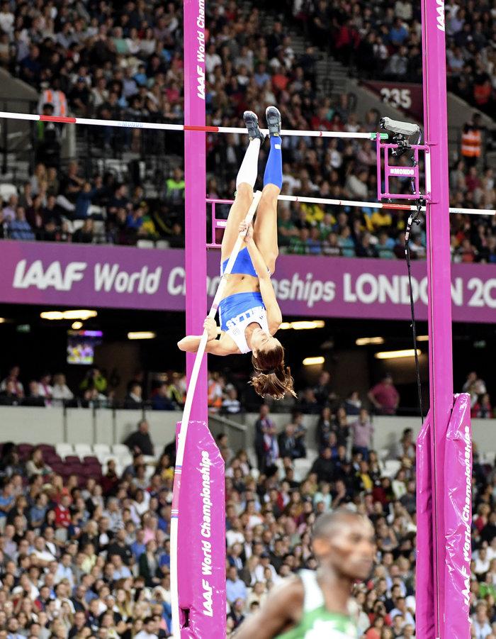 Με ένα άλμα η Κατερίνα Στεφανίδη πάει στον τελικό