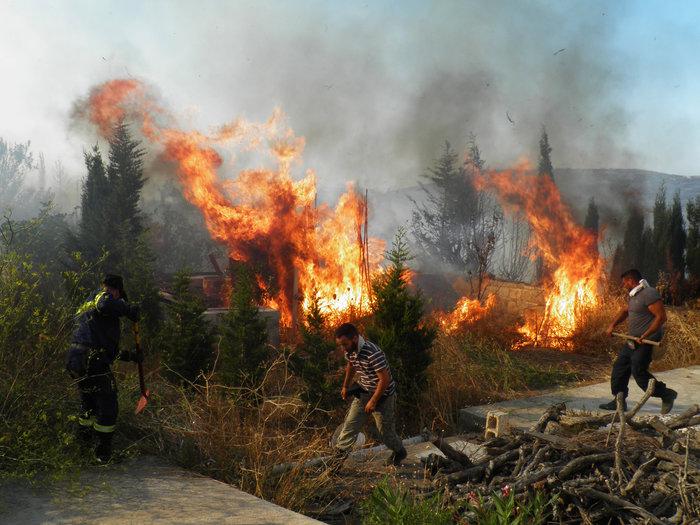 """Πύρινος """"εφιάλτης"""" στα Κύθηρα: Κάηκαν 15.000 στρέμματα - εικόνα 2"""