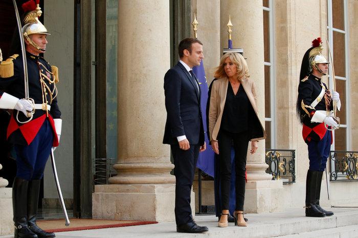 Γάλλοι εναντίον Μπριζίτ Μακρόν: Δεν θέλουμε πρώτη κυρία - Γιατί αντιδρούν - εικόνα 2
