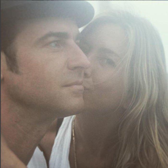 Η «απόδειξη αγάπης» της Ανιστον στον σύζυγό της Θερού