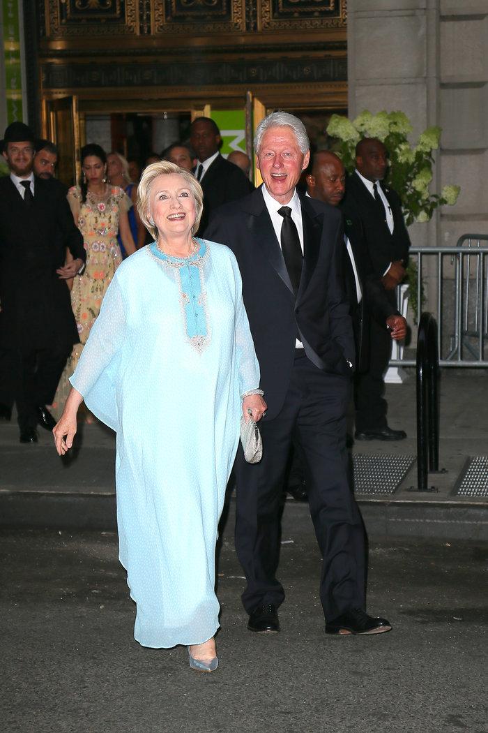 Γιατί άστραψαν τα φλας όταν εμφανίστηκε η Χίλαρι Κλίντον - εικόνα 3