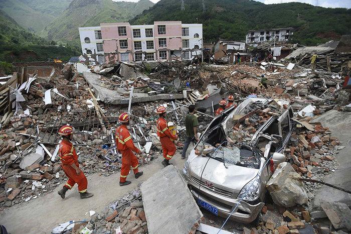 Κίνα: Φόβοι για πάνω από 100 νεκρούς από τον σεισμό στο Σετσουάν