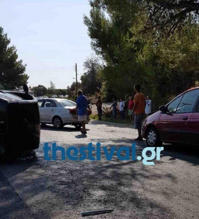 Καραμπόλα τεσσάρων αυτοκινήτων στην Χαλκιδική (ΦΩΤΟ) - εικόνα 2