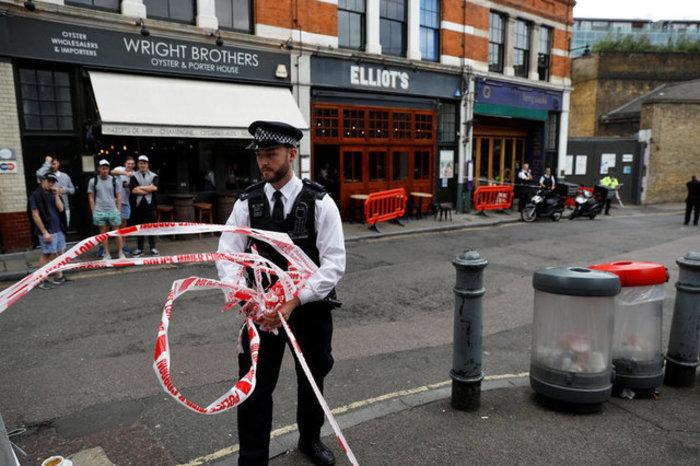 Τρεις τραυματίες από παγιδευμένο φάκελο σε εστιατόριο στο Λονδίνο
