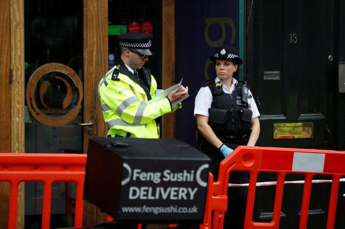 Τρεις τραυματίες από παγιδευμένο φάκελο σε εστιατόριο στο Λονδίνο - εικόνα 2