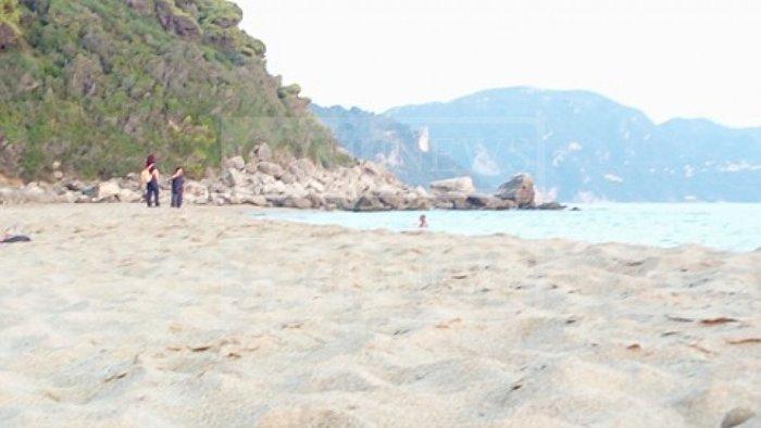 Θρίλερ στην Κέρκυρα: Βρήκαν πτώμα σε αποσύνθεση σε γνωστή παραλία