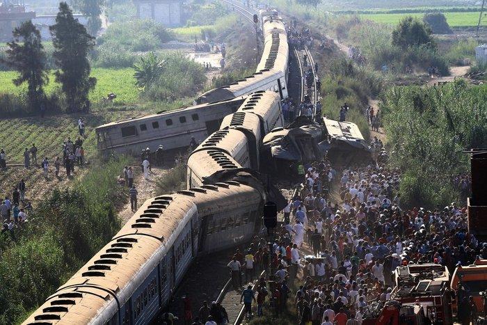 Σύγκρουση τρένων στην Αλεξάνδρεια, τουλάχιστον 36 νεκροί και 123 τραυματίες