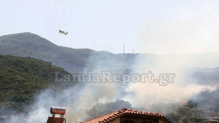 Υπό έλεγχο τέθηκε η φωτιά στα Καμένα Βούρλα πάνω από την Εθνική (ΦΩΤΟ) - εικόνα 4