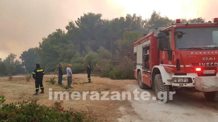 Ζάκυνθος: Σε πύρινο κλοιό-Τρίτη ημέρα μάχης με τις φλόγες - εικόνα 4