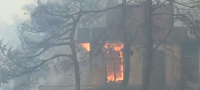 Εκτός ελέγχου η φωτιά σε Κάλαμο - Βαρνάβα: Απειλούνται σπίτια - εικόνα 13