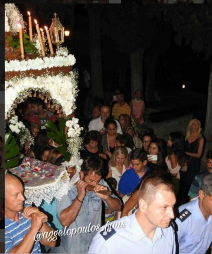 Ο Ντάνος με τα κομποσκοίνια σηκώνει και τον Επιτάφιο στην Σκιάθο - εικόνα 2