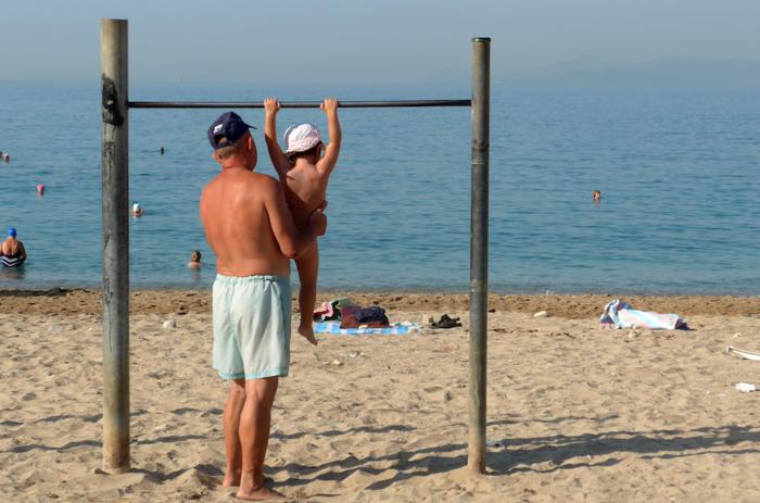 Δεκαπενταύγουστος στην άδεια Αθήνα και στην έρημη παραλιακή - εικόνα 2