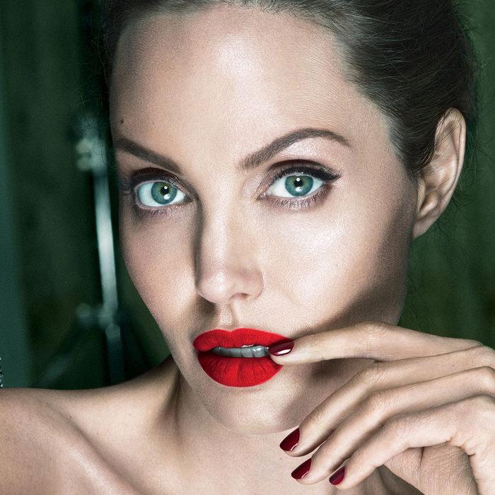 H Αντζελίνα Τζολί εκθαμβωτική στα 42 της για το Vanity Fair - εικόνα 5