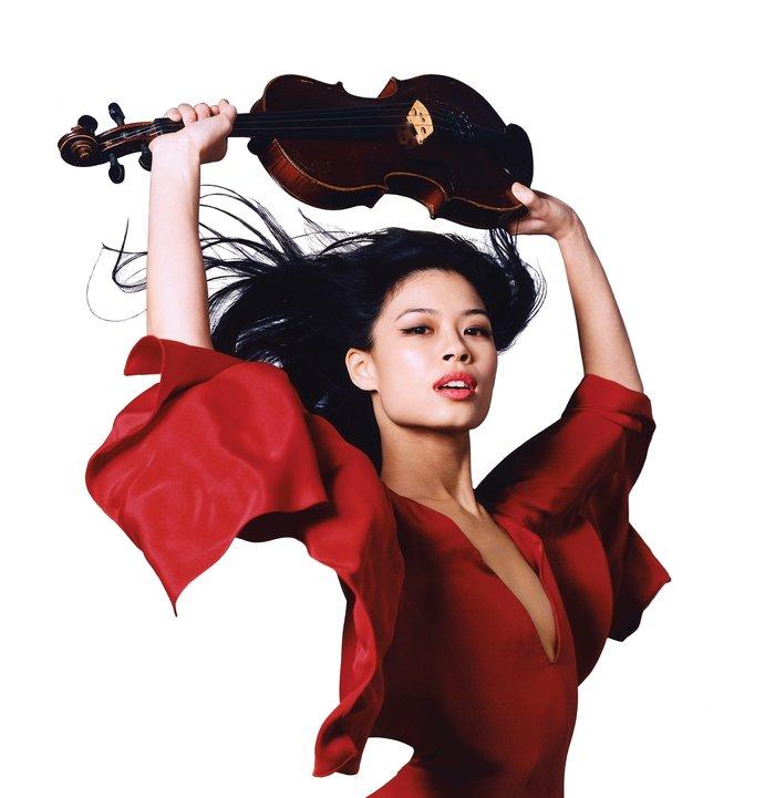 Η Βασίλισσα του βιολιού σε ένα μοναδικό show κάτω από την Ακρόπολη