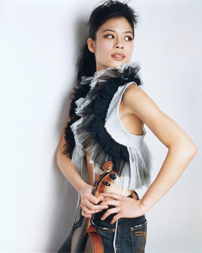 Η Βασίλισσα του βιολιού σε ένα μοναδικό show κάτω από την Ακρόπολη - εικόνα 2