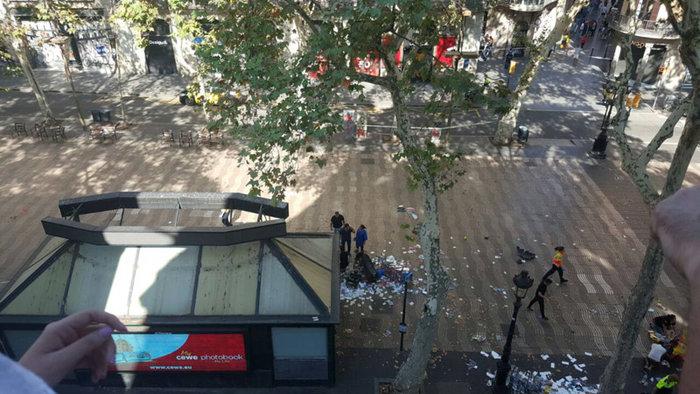 Βαρκελώνη: Τρομοκρατική επίθεση με 13 νεκρούς & 80 τραυματίες - εικόνα 4