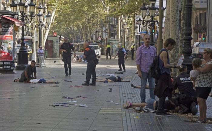 Βαρκελώνη: Σε εξέλιξη ομηρία σε μπαρ μετά την επίθεση