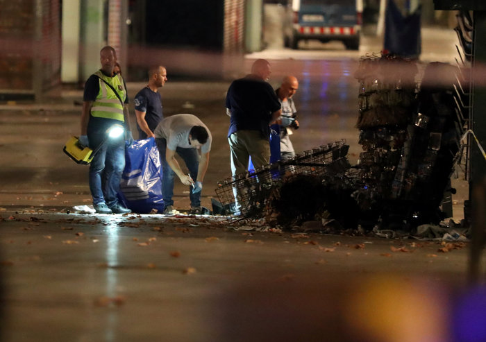 To χρονικό του τρόμου με 13 νεκρούς στην καρδιά της Βαρκελώνης - εικόνα 2