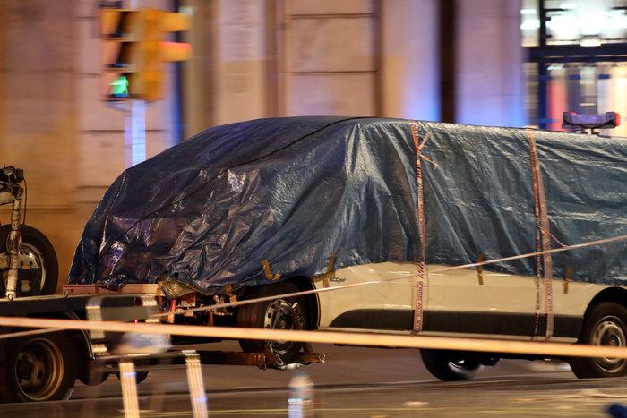 Σοκ: Ήθελαν να χρησιμοποιήσουν φιάλες βουτανίου στην επίθεση στη Βαρκελώνη - εικόνα 2