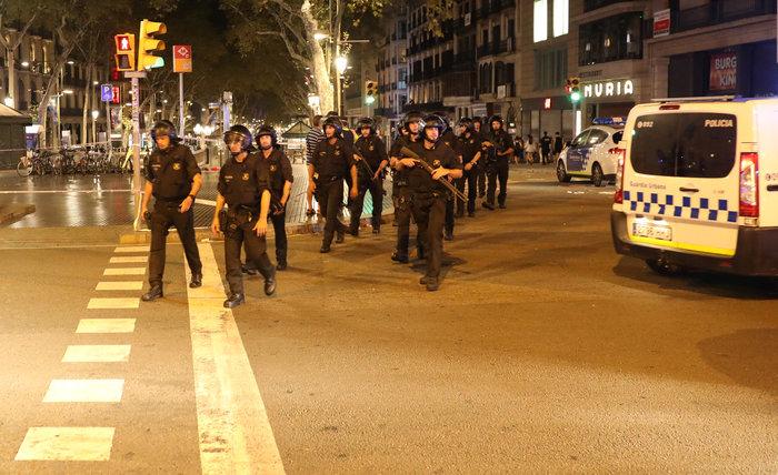 Σοκ: Ήθελαν να χρησιμοποιήσουν φιάλες βουτανίου στην επίθεση στη Βαρκελώνη - εικόνα 6