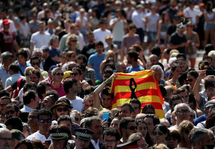 Μεγαλειώδης συγκέντρωση κατά της τρομοκρατίας στη Βαρκελώνη - εικόνα 2