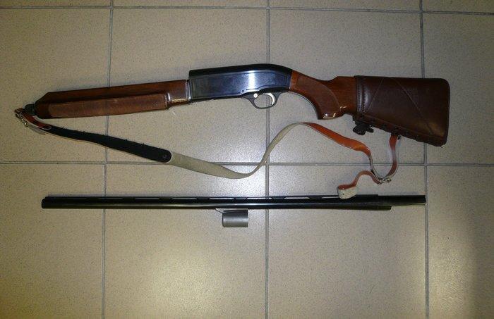 Όπλα και χατζάρες είχε ο επιχειρηματίας που πυροβόλησε εφοριακούς - εικόνα 3