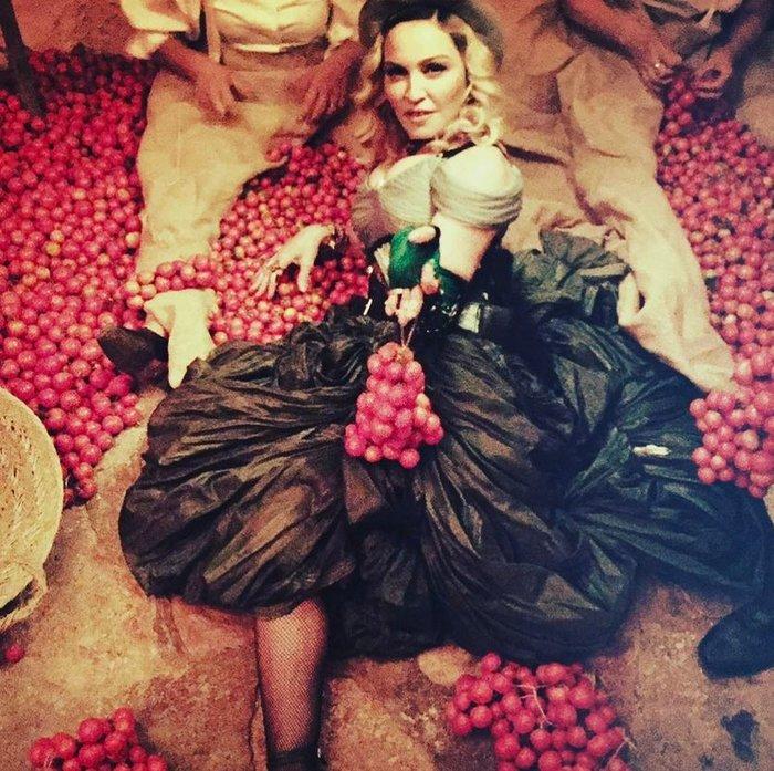 Η Μαντόνα έκλεισε τα 59 σε ένα μεγαλειώδες τσιγγάνικο πάρτι στην Ιταλία - εικόνα 5