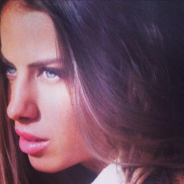 Δείτε την πανέμορφη αδελφή της Ευαγγελίας Αραβανή - πόσο μοιάζουν; - εικόνα 3