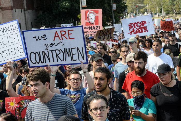 Χιλιάδες διαδηλωτές κατά του ρατσισμού στους δρόμους της Βοστώνης - εικόνα 3