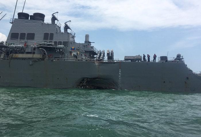 Σύγκρουση αντιτορπιλικού των ΗΠΑ με δεξαμενόπλοιο: Δέκα αγνοούμενοι - εικόνα 3