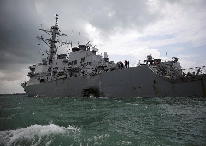 Σύγκρουση αντιτορπιλικού των ΗΠΑ με δεξαμενόπλοιο: Δέκα αγνοούμενοι - εικόνα 5