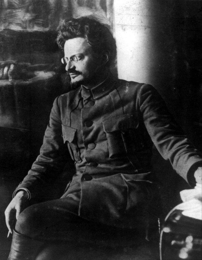 Γιατί μόνο Στάλιν; Υπάρχει και ο Τρότσκι: 77 χρόνια από τη δολοφονία του
