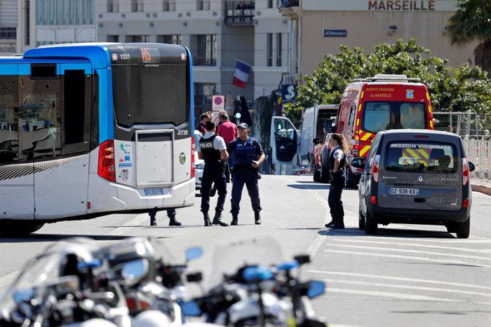 Αυτοκίνητο έπεσε πάνω σε πεζούς στη Μασσαλία, ένας νεκρός [video]